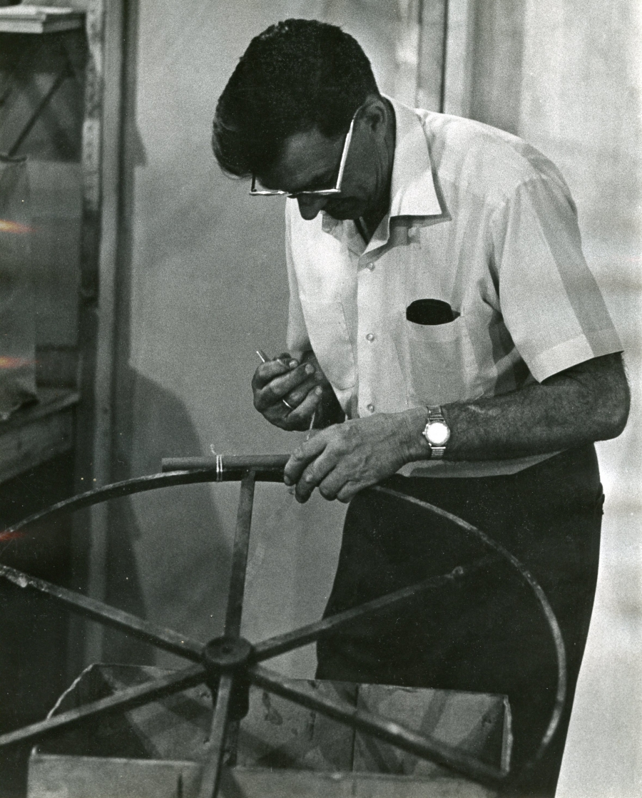 robert young assembling fireworks wheel
